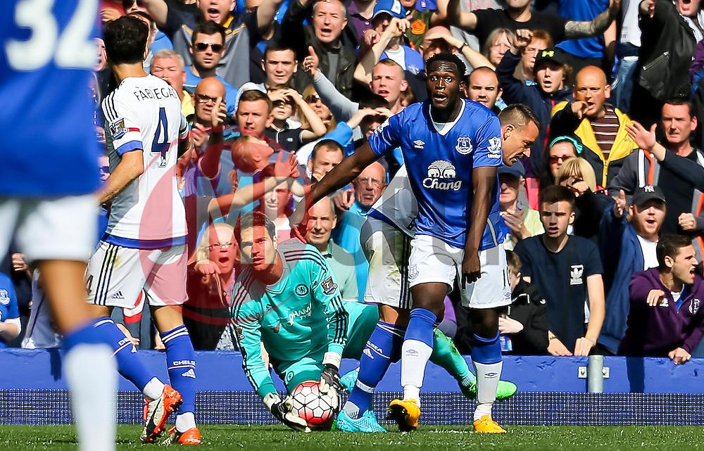 Everton's Romelu Lukaku appeals for a pass back - Mandatory byline: Matt McNulty/JMP - 07966386802 - 12/09/2015 - FOOTBALL - Goodison Park -Everton,England - Everton v Chelsea - Barclays Premier League