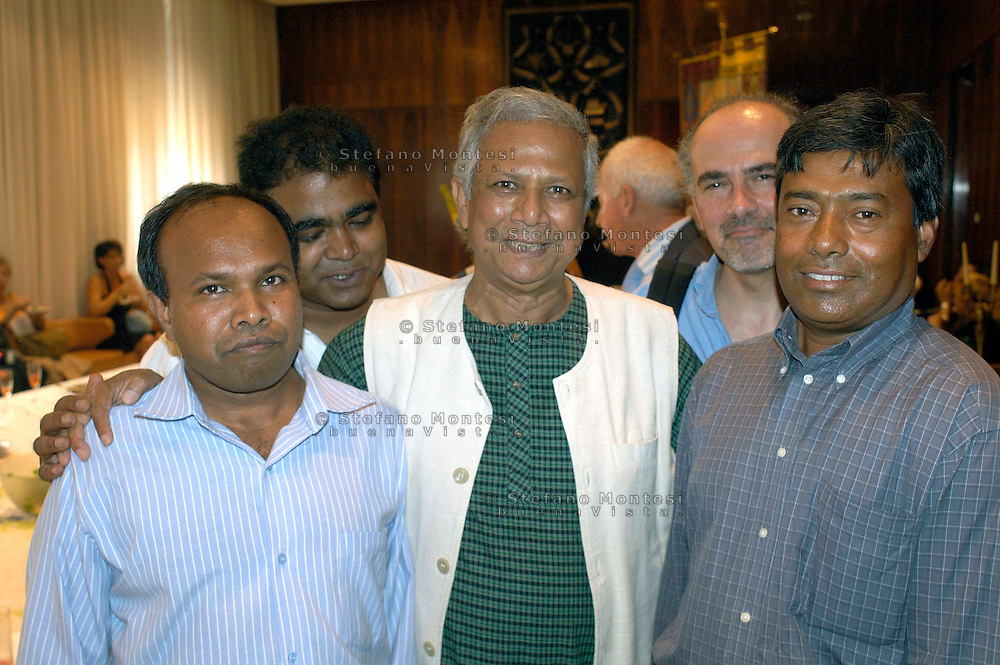 Roma July 8 2008.Bangladeshi banker and 2006 Nobel peace prize laureate Muhammad Yunus poses with a giant diploma after receiving a Doctor Honoris Causa title from Sapienza University in Rome.