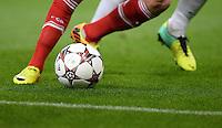 FUSSBALL   CHAMPIONS LEAGUE   SAISON 2013/2014   VORRUNDE Manchester City - FC Bayern Muenchen        02.10.2013 Allgemein: Ball und Beine