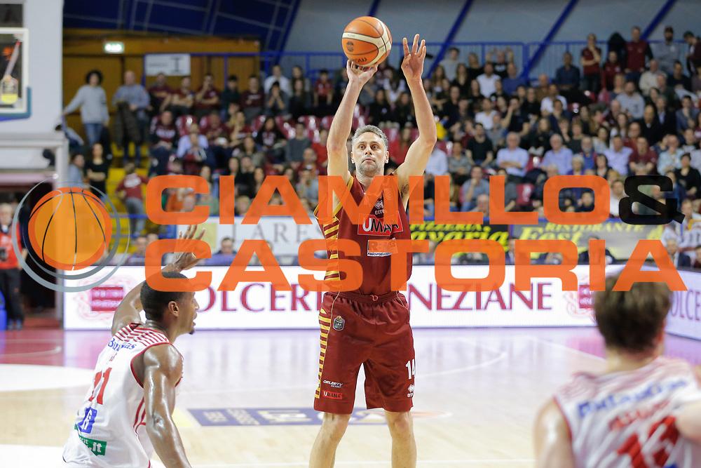 Tomas Ress<br /> Umana Reyer Venezia - Consultinvest Pesaro<br /> Lega Basket Serie A 2016/2017<br /> Venezia 05/03/2017<br /> Foto Ciamillo-Castoria
