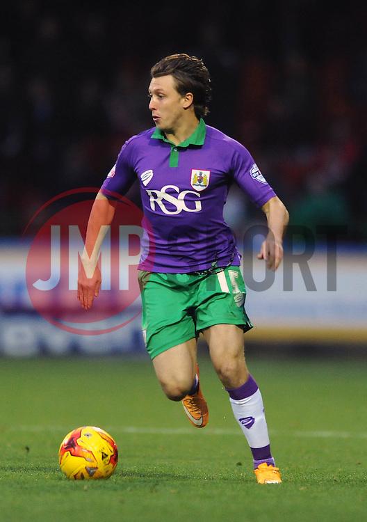 Bristol City's Luke Freeman - Photo mandatory by-line: Dougie Allward/JMP - Mobile: 07966 386802 - 15/11/14 - SPORT - Football - Swindon - The County Ground - Swindon Town v Bristol City - Sky Bet League One