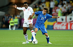 24.06.2012, Olympia Stadion, Kiew, UKR, UEFA EURO 2012, England vs Italien, Viertelfinale, im Bild Andrea PIRLO (Italia), Danny WELBECK (Inghilterra) // during the UEFA Euro 2012 Quarter Final Match between Enland and Italy at the Olympic Stadium, Kiev, Ukraine on 2012/06/24. EXPA Pictures © 2012, PhotoCredit: EXPA/ Insidefoto/ Alessandro Sabattini..***** ATTENTION - for AUT, SLO, CRO, SRB, SUI and SWE only *****