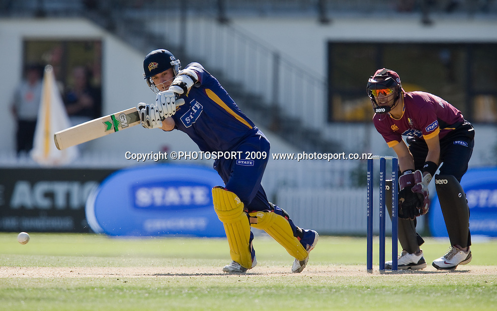 Nathan McCullum bats for Volts during the State Shield cricket final between the State Northern Knights and State Otago Volts won by the Knights by  49 runs at Seddon Park, Hamilton, New Zealand, Saturday 31 January 2009.  Photo: Stephen Barker/PHOTOSPORT