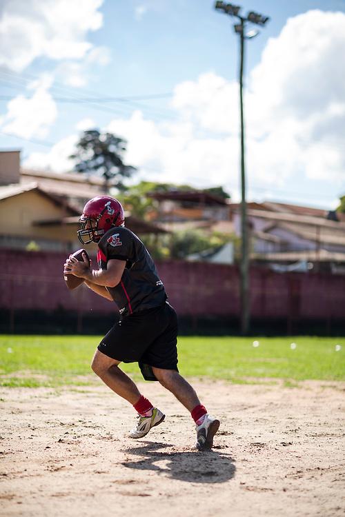 Belo Horiznte_MG, Brasil.<br /> <br /> Treino do time de futebol americano, Minas Locomotiva.<br /> <br /> Training of the American football team, Minas Locomotiva.<br /> <br /> Foto: RAFAEL MOTTA / NITRO