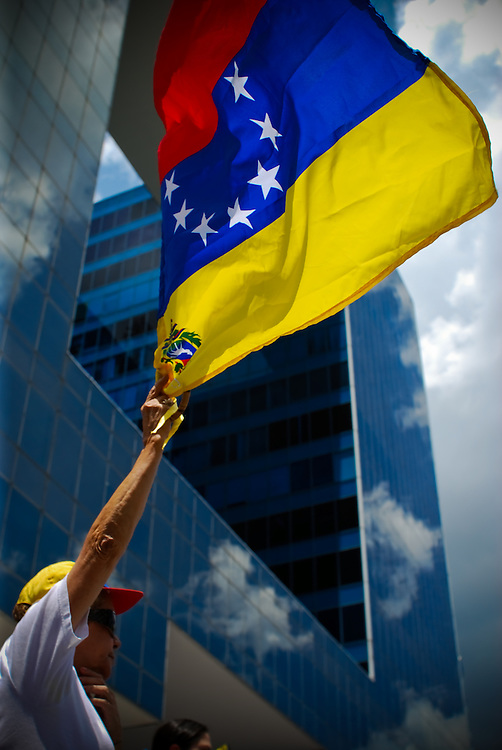 VENEZUELAN POLITICS / POLITICA EN VENEZUELA<br /> Concentration &quot;NO MAS CHAVEZ&quot; / Concentracion &quot;NO MAS CHAVEZ&quot;<br /> Caracas - Venezuela 2009<br /> (Copyright &copy; Aaron Sosa)