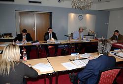 09-12-2006 VOLLEYBAL: CEV OP BEZOEK IN NEDERLAND: ROTTERDAM<br /> De board of Executive Committee CEV waren uitgenodigd door Rotterdam, Rotterdam Topsport en de NeVoBo voor de uitleg van O[peration Restore Confidence / Olivier Mottier,  Aleksandar Boricic,  Jan Hronek, Philip Berben, Renato Arena en Banu Can<br /> ©2006-WWW.FOTOHOOGENDOORN.NL