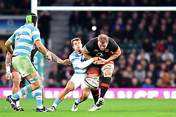 November 11, 2017 - London, United Kingdom - England's Sam Simmonds breaks through the defence of Argentina's Gonzalo Bertranou  during Old Mutual Wealth Series between England against Argentina at Twickenham stadium , London on 11 Nov 2017  (Credit Image: © Kieran Galvin/NurPhoto via ZUMA Press)