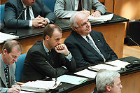 24 JUN 1999 - BONN, GERMANY:<br /> Friedrich Merz, CDU, Stellv. CDU/CSU Fraktionsvorsitzender, und Helmut Kohl, CDU, Bundeskanzler a.D., w&auml;hrend der Debatte zur  Regierungserkl&auml;rung &quot;Zukunftsprogramm 2000&quot;, Plenum, Deutscher Bundestag<br /> Friedrich Merz, CDU, and Helmut Kohl, CDU, alumnus Chancellor, during the debate about the new tax program of the Federal Government, plenary, German Bundestag<br /> IMAGE: 19990624-01/04-25