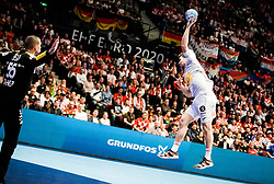 22.01.2020, Wiener Stadthalle, Wien, AUT, EHF Euro 2020, Kroatien vs Spanien, Hauptrunde, Gruppe I, im Bild v. l. Marin Sego (CRO), Alex Dujshebaev Dobichebaeva (ESP) // f. l. Marin Sego (CRO) Alex Dujshebaev Dobichebaeva (ESP) during the EHF 2020 European Handball Championship, main round group I match between Croatia and Spain at the Wiener Stadthalle in Wien, Austria on 2020/01/22. EXPA Pictures © 2020, PhotoCredit: EXPA/ Florian Schroetter