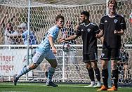 Målscorer Nicolas Mortensen (FC Helsingør) er klar til at juble efter scoringen til 2-0 under kampen i 2. Division mellem FC Helsingør og Vanløse IF den 24. august 2019 på Helsingør Ny Stadion (Foto: Claus Birch).