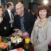 NLD/Ridderkerk/20120508 - Presentatie Helden 13, ouders Robin van Persie, links zus