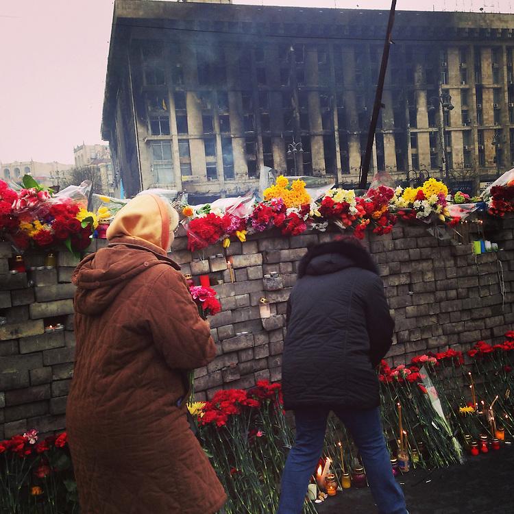 It's an incredibly somber and emotional day on the #maidan, Feb. 23, 2014. #euromaidan #kyiv #ukraine #київ #україна #евромайдан #primecollective