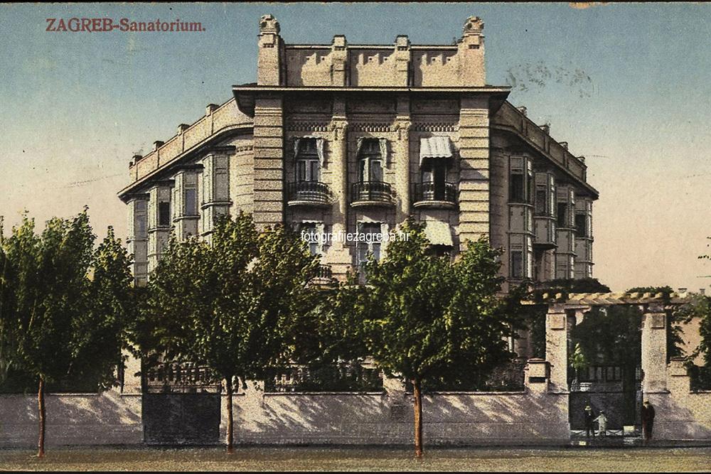 Zagreb : Sanatorium. <br /> <br /> ImpresumS. l. : S. M. Z., 1921.<br /> Materijalni opis1 razglednica : tisak ; 8,9 x 13,9 cm.<br /> Vrstavizualna građa • razglednice<br /> ZbirkaZbirka razglednica • Grafička zbirka NSK<br /> Formatimage/jpeg<br /> PredmetZagreb –– Ulica Vjekoslava Klaića<br /> SignaturaRZG-KLA-4<br /> Obuhvat(vremenski)20. stoljeće<br /> NapomenaRazglednica je putovala 1924. godine. • S. M. Z. vjerojatno S. Marković, Zagreb.<br /> PravaJavno dobro<br /> Identifikatori000954597<br /> NBN.HRNBN: urn:nbn:hr:238:823290 <br /> <br /> Izvor: Digitalne zbirke Nacionalne i sveučilišne knjižnice u Zagrebu