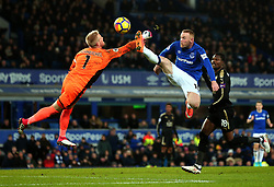 Wayne Rooney of Everton challenges Kasper Schmeichel of Leicester City - Mandatory by-line: Robbie Stephenson/JMP - 31/01/2018 - FOOTBALL - Goodison Park - Liverpool, England - Everton v Leicester City - Premier League