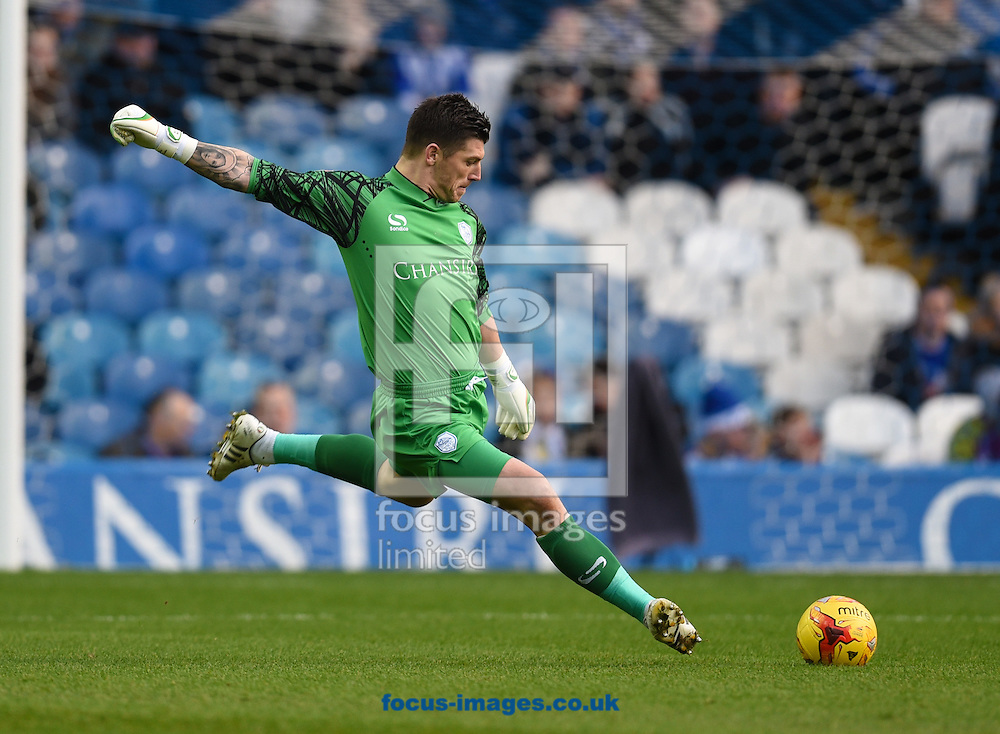 Keiren Westwood of Sheffield Wednesday during the Sky Bet Championship match at Hillsborough, Sheffield<br /> Picture by Richard Land/Focus Images Ltd +44 7713 507003<br /> 20/12/2015