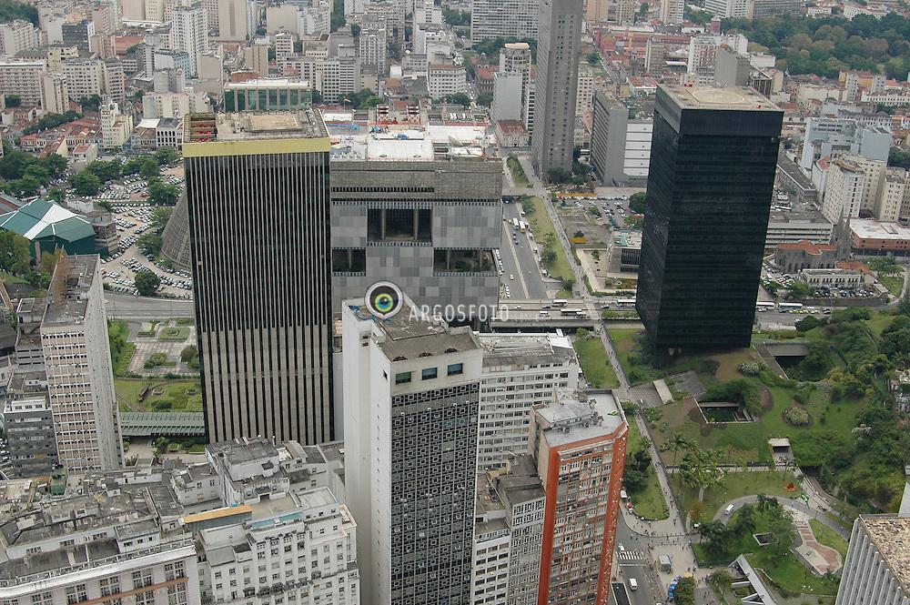 """Centro do Rio de Janeiro, area conhecida como """"triangulo das bermudas"""" com os predios do Banco Central, Petrobras e BNDES / Rio de Janeiro downtown, Brazil"""