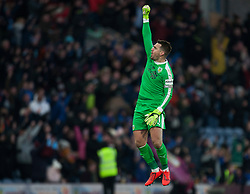 Thomas Heaton of Burnley celebrates Ashley Barnes' late penalty - Mandatory by-line: Jack Phillips/JMP - 02/02/2019 - FOOTBALL - Turf Moor - Burnley, England - Burnley v Southampton - English Premier League