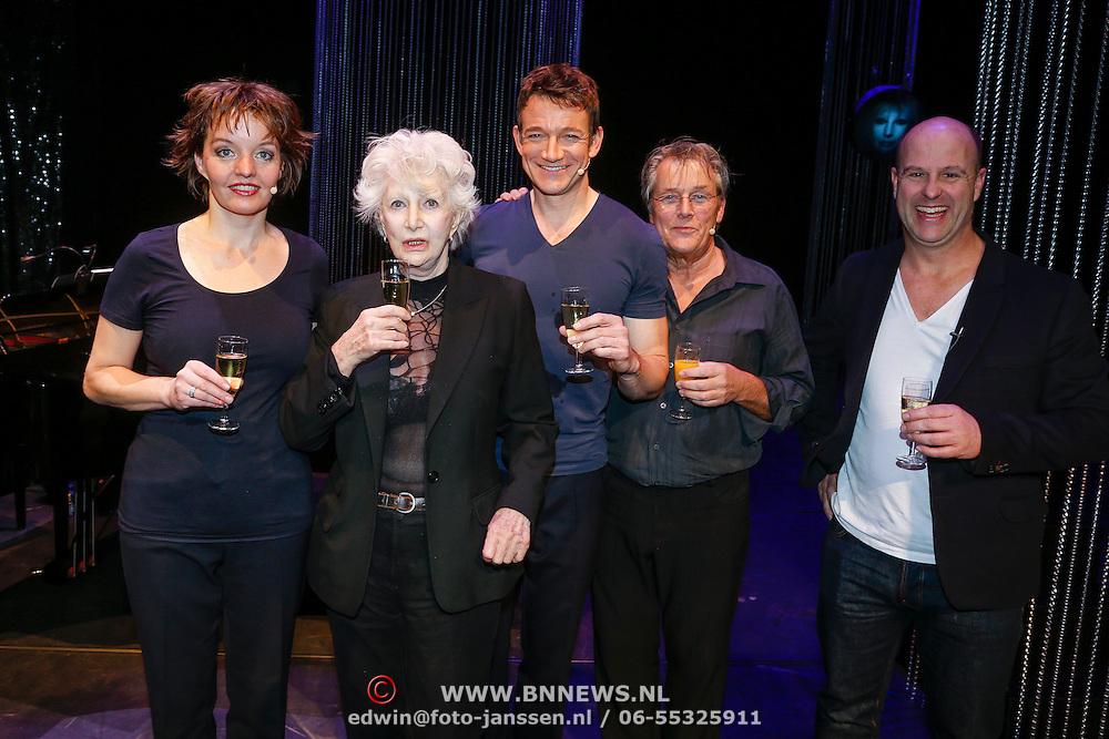NLD/Utrecht/20130122 - Premiere Adele, Adele Bloemendaal met Sanne Wallis de Vries en Paul Groot