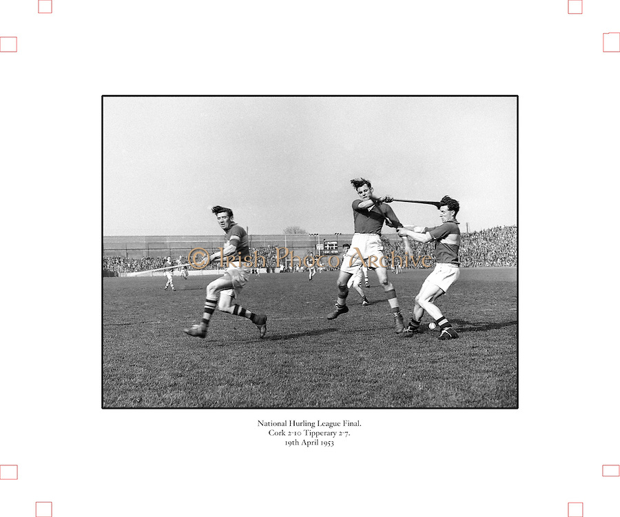 179/2528-2533..-Senior Hurling Tipperary Team in Croke Park..19 April 1953.National Hurling League Final.Cork 2-10  Tipperary 2-7
