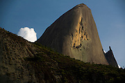 Domingos Martins_ES, Brasil...Pedra Azul, ou Pedra do Lagarto em Domingos Martins...Pedra Azul or Pedra do Lagarto in Domingos Martins...Foto: LEO DRUMOND / NITRO