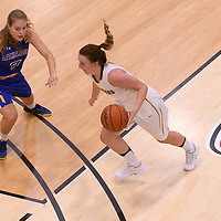4th year  guard Sara Hubenig (7) of the Regina Cougars in action during the Women's Basketball Preseason game on October 14 at Centre for Kinesiology, Health and Sport. Credit: Arthur Ward/Arthur Images