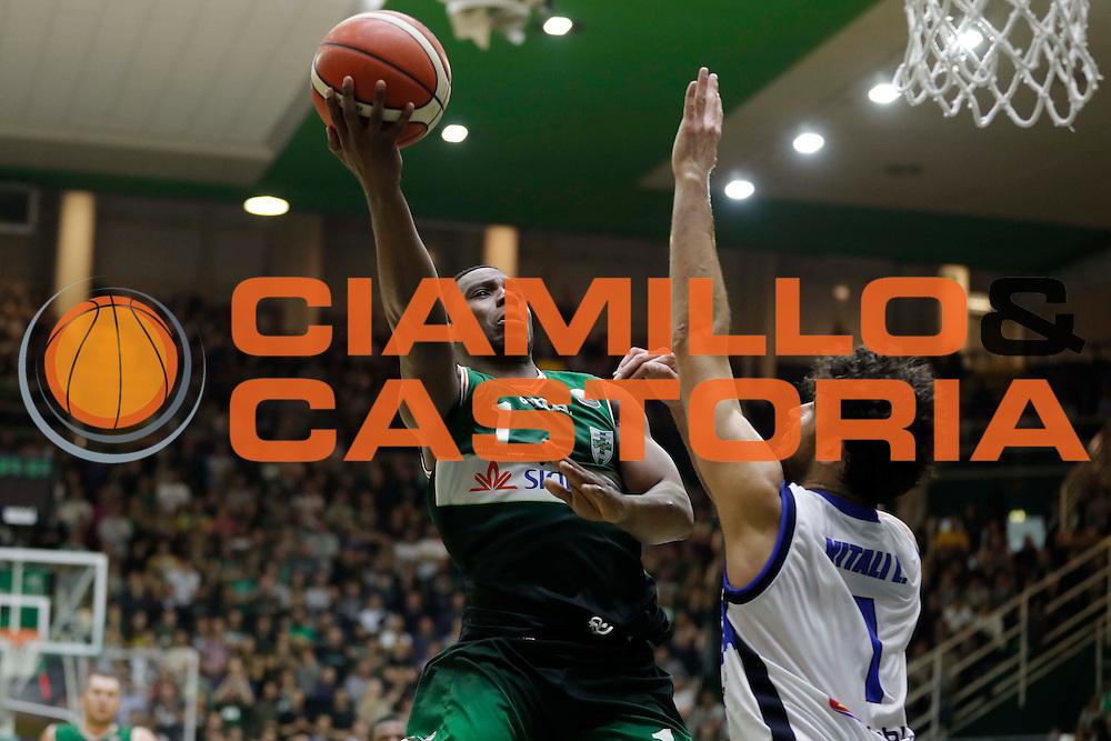 Avellino 30/10/2016 - Basket Lega A Campionato Italiano Pallacanestro 2016-17<br /> Sidigas Avellino - Germani Basket Brescia<br /> nella foto: Joe Ragland<br /> foto Ciamillo