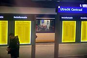 Nederland, Utrecht, 19-1-2017Zicht op het perron van het centraal station vanuit een treincoupe. Stiltecoupe.Foto: Flip Franssen
