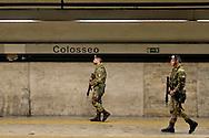 Roma 23 Novembre 2015<br /> Colosseo sorvegliato speciale in vista del Giubileo essendo un luogo di forte impatto turistico. Il piano, ideato dalla questura con la prefettura e forze dell'ordine, prevede un potenziamento dei controlli antiterrorismo nella zona intorno al Colosseo. I Granatieri di Sardegna  controllano la  Stazione della metropolitana Colosseo.<br /> Rome 23 November 2015<br /> Colosseum special surveillance in view of the Jubilee being a place of great tourist impact. The plan, devised by the police with the prefecture, provides for the reinforcement of anti-terrorism controls in the area around the Colosseum. The Grenadiers of Sardinia control the Underground station Colosseum.