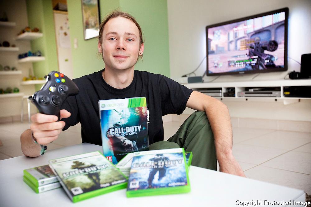 362716-Jolan Michiels is geselecteerd voor Call Of Duty Wedstrijd in L.A Amerika-Valkenhof 59 Berlaar