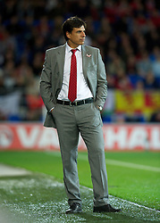 12.10.2012, Cardiff City Stadium, Cardiff, WAL, FIFA WM Qualifikation, Wales vs Schottland, im Bild Wales' manager Chris Coleman against Scotland during FIFA World Cup Qualifier Match between Wales and Scotland at the Cardiff City Stadium, Cardiff, Wales on 2012/10/12. EXPA Pictures © 2012, PhotoCredit: EXPA/ Propagandaphoto/ David Rawcliffe..***** ATTENTION - OUT OF ENG, GBR, UK *****
