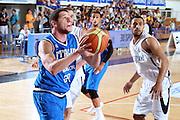 DESCRIZIONE : Trento Torneo Internazionale Maschile Trentino Cup Italia Nuova Zelanda  Italy New Zeland<br /> GIOCATORE : Valerio Amoroso<br /> SQUADRA : Italia Italy<br /> EVENTO : Raduno Collegiale Nazionale Maschile <br /> GARA : Italia Nuova Zelanda Italy New Zeland<br /> DATA : 26/07/2009 <br /> CATEGORIA : penetrazione<br /> SPORT : Pallacanestro <br /> AUTORE : Agenzia Ciamillo-Castoria/E.Castoria
