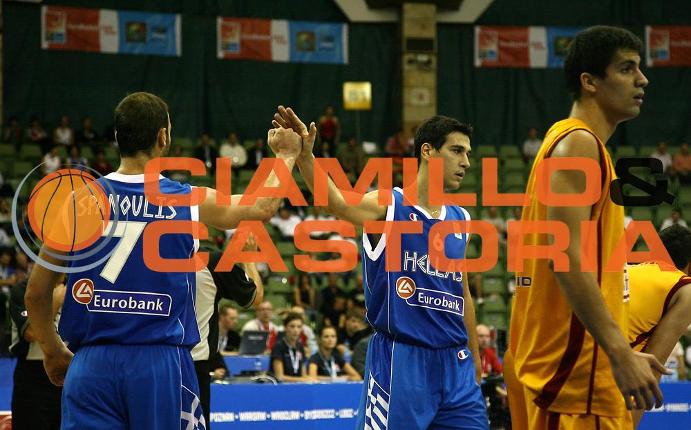 DESCRIZIONE : Poznan Poland Polonia Eurobasket Men 2009 Preliminary Round Repubblica di Macedonia Grecia F.R.Y. of Macedonia Greece<br /> GIOCATORE : Vasileios Spanoulis Nikolas Zizis<br /> SQUADRA : Grecia Greece<br /> EVENTO : Eurobasket Men 2009<br /> GARA : Repubblica di Macedonia Grecia F.R.Y. of Macedonia Greece<br /> DATA : 07/09/2009 <br /> CATEGORIA : esultanza<br /> SPORT : Pallacanestro <br /> AUTORE : Agenzia Ciamillo-Castoria/A.Vlachos<br /> Galleria : Eurobasket Men 2009 <br /> Fotonotizia : Poznan Poland Polonia Eurobasket Men 2009 Preliminary Round Repubblica di Macedonia Grecia F.R.Y. of Macedonia Greece<br /> Predefinita :