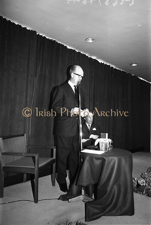 05/04/1965<br /> 04/05/1965<br /> 05 April 1965<br /> Second Irish Export Fashion Fair opened at the Intercontinental Hotel, Dublin. Picture shows Mr J.C.B. McCarthy (left), Secretary, Department of Industry and Commerce, opening the Fair and Mr W.H. Walsh, General Manager Coras Trachtala.
