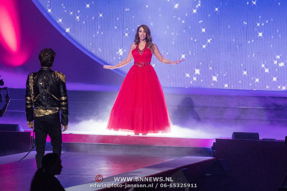 NLD/Amsterdam/20171223 - The Christmas Show 2017 in de Ziggo Dome, Glennis Grace en Buddy Vedder