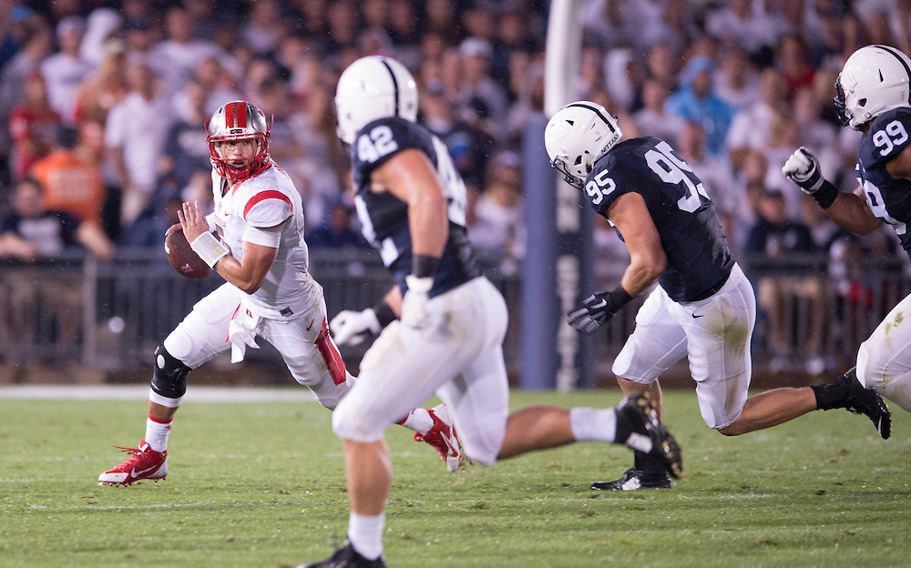 The Rutgers Scarlet Knights take on the Penn State Nittany Lions at Beaver Stadium in State College, PA on Saturday night, September 19, 2015.<br /> Ben Solomon/Rutgers Athletics