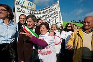 Roma, 6 Gennaio  2013.Manifestazione contro l'ipotesi della discarica a Monti dell'Ortaccio, dei cittadini di Valle Galeria, zona  dove è situata la  mega-discarica di Malagrotta.Il sindaco di Roma Gianni Alemanno.Rome, January 6, 2013.Demonstration against the hypothesis of the landfill to Monti dell'Ortaccio,of the  citizens of Valle Galeria area, an area that is already located the mega-landfill Malagrotta. The mayor of Rome Gianni Alemanno