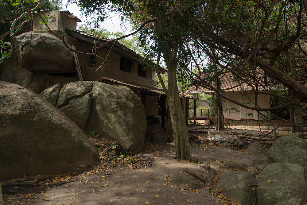 The Polontalawa Estate Bungalow.<br /> Northwest of Chilaw on the road from Palame to Nikarawetiya, Sri Lanka. 1964.<br /> Geoffrey Bawa