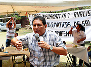 Community forum to discuss the problems of health and the environment in the Bajo Lempa region of El Salvador. The meeting was organised by ACUDESBAL..Bajo Lempa.El Salvador.9.4.11..© Kevin Hayes.Tel: Mob: +44 (0)7960 872 408 .kevinhayes@talktalk.net...