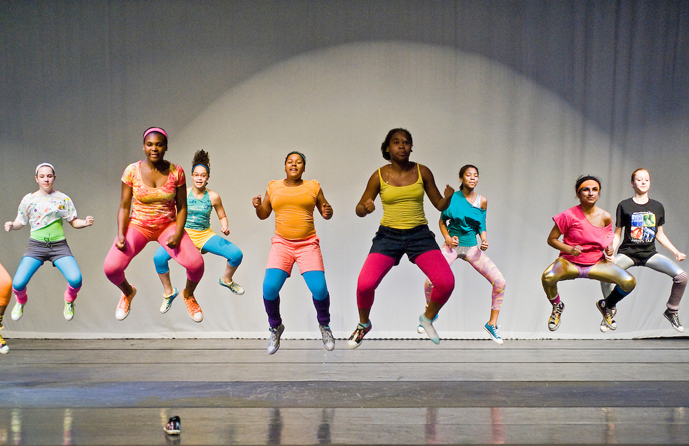Saturday, June 13, 2009..Experimental Movement Concept's Spring Concert dress rehearsal at Community College Baltimore County in Catonsville..ENSEMBLE.SHAYNA ORENS.DOMINIQUE GRIFFIN.LIANA GONZALEZ.NATARSHA SMITH.TYLER MCLEMORE-BROOKS.TATIANA PRICE.NIKITA CHAUDHRY.CECCA FABIANI