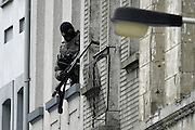 Nov. 16, 2015 - Brussels, BELGIUM - <br /> BRUSSELS, BELGIUM:<br /> <br /> Search for Paris Terror Suspect in Brussels<br /> <br /> Special forces pictured working to enter a house in the Delaunoystraat - Rue Delaunoy in Sint-Jans-Molenbeek / Molenbeek-Saint-Jean, Brussels on Monday 16 November 2015. During the weekend searches were carried out and multiple people were arrested in relation to Friday's terrorist attacks in Paris. Several terrorist attacks in Paris, France, have left at least 129 dead and 350 injured. Most people were killed during a concert in venue Bataclan, the other targets were a restaurant and a soccer game. The attacks have been claimed by Islamic State.<br /> ©Exclusivepix Media