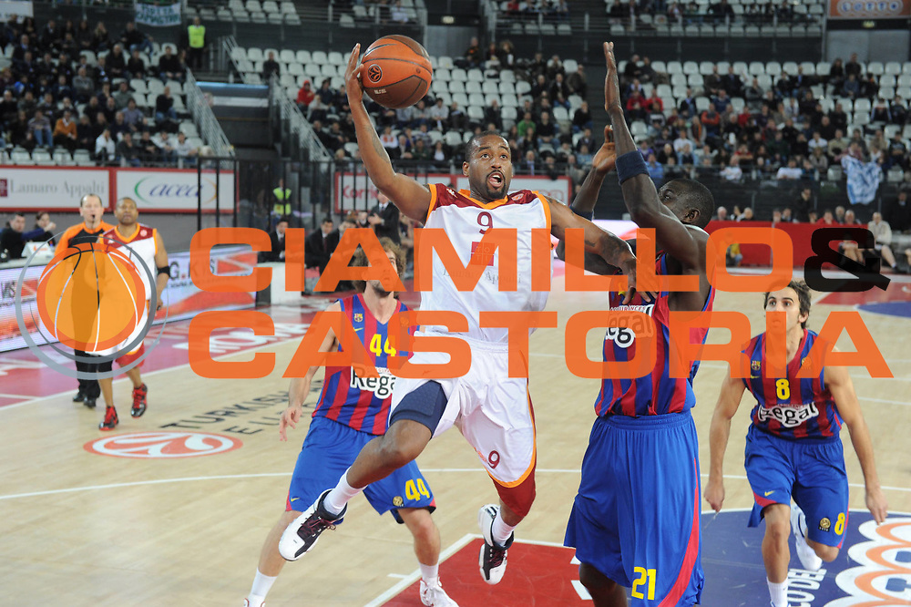 DESCRIZIONE : Roma Eurolega 2010-11 Top 16 Lottomatica Virtus Roma Regal Barcelona Barcellona<br /> GIOCATORE : Darius Washington<br /> SQUADRA : Lottomatica Virtus Roma Regal Barcellona<br /> EVENTO : Eurolega 2010-2011<br /> GARA : Lottomatica Virtus Roma Regal Barcellona Barcellona Barcelona<br /> DATA : 17/02/2011<br /> CATEGORIA : Tiro<br /> SPORT : Pallacanestro <br /> AUTORE : Agenzia Ciamillo-Castoria/GiulioCiamillo<br /> Galleria : Eurolega 2010-2011<br /> Fotonotizia : Roma Eurolega 2010-11 Top 16 Lottomatica Virtus Roma Regal Barcelona Barcellona<br /> Predefinita :