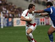 Mark Cueto breaks through. England v Samoa, Nantes, France, Rugby World Cup 2007, 22nd September 2007.