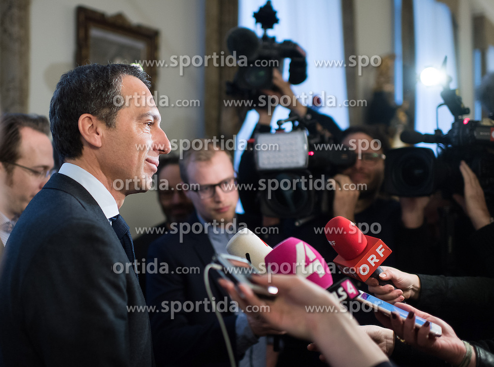 24.01.2017, Bundeskanzleramt, Wien, AUT, Bundesregierung, Sitzung des Ministerrats, im Bild Bundeskanzler Christian Kern (SPÖ) // Federal Chancellor of Austria Christian Kern before cabinet meeting at Federal Chancellors Office in Vienna, Austria on 2017/01/24 EXPA Pictures © 2017, PhotoCredit: EXPA/ Michael Gruber