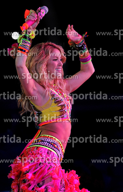 11.07.2010, Soccer-City-Stadion, Johannesburg, RSA, FIFA WM 2010, Finale, Niederlande (NED) vs Spanien (ESP) im Bild Shakira bei der Schlusszeremonie, EXPA Pictures © 2010, PhotoCredit: EXPA/ InsideFoto/ Perottino *** ATTENTION *** FOR AUSTRIA AND SLOVENIA USE ONLY! / SPORTIDA PHOTO AGENCY