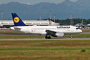 Lufthansa, Airbus A319-114 ready for takeoff