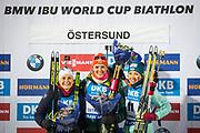 &Ouml;STERSUND, SVERIGE - 2017-12-03: Denise Herrmann vinnare, Justine Braisaz andra plats, Yuliia Dzhima p&aring; pallen under damernas jaktstart t&auml;vling under IBU World Cup Skidskytte p&aring; &Ouml;stersunds Skidstadion den 1 december 2017 i &Ouml;stersund, Sverige.<br /> Foto: Johan Axelsson/Ombrello<br /> ***BETALBILD***