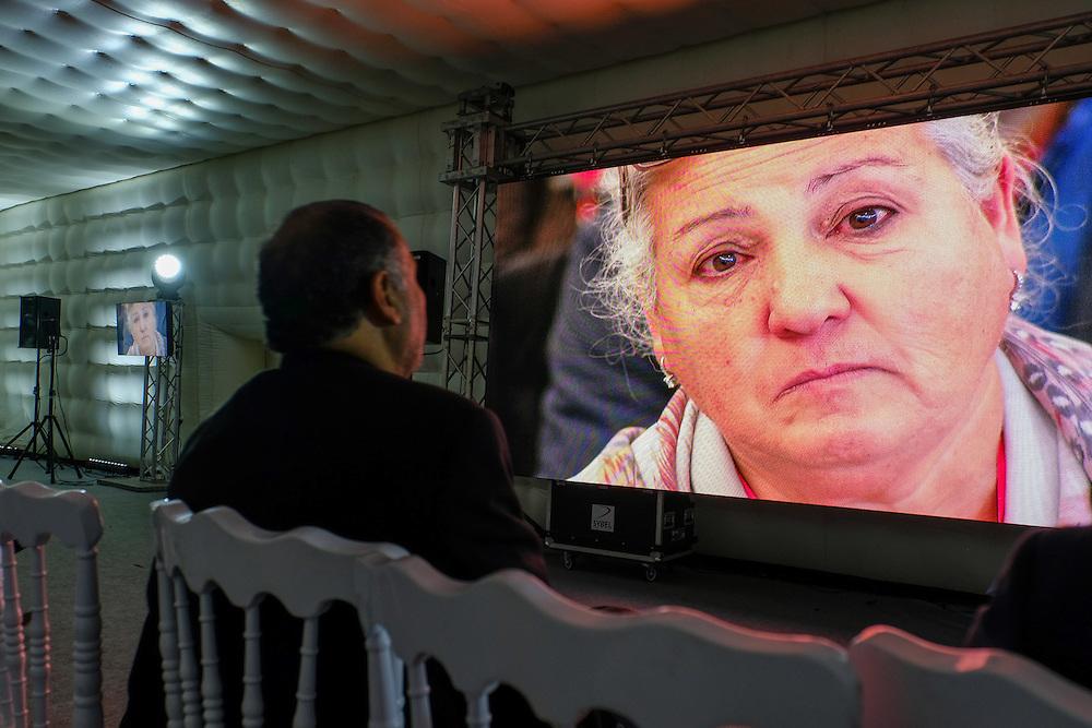 Auditions publiques de l'Instance Vérité Dignité, 18 novembre 2016. L'émotion du public.