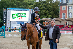 BETTENDORF Charlotte (LUX), Raia d´Helby<br /> Münster - Turnier der Sieger 2019<br /> Siegerehrung<br /> BRINKHOFF'S NO. 1 -  Preis<br /> CSI4* - Int. Jumping competition  (1.50 m) -<br /> 1. Qualifikation Grosse Tour <br /> Large Tour<br /> 02. August 2019<br /> © www.sportfotos-lafrentz.de/Stefan Lafrentz