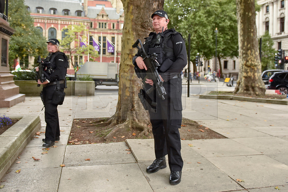 © Licensed to London News Pictures. 17/09/2017. London, UK. Additional police, many armed, are seen on the streets of the capital following the announcement by Prime Minister Theresa May to raise the national security level to critical after a terror attack at Parsons Green tube station.  Photo credit : Stephen Chung/LNP