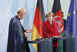 Bildnummer: 57994131..Afghanistan President Hamid Karzai with Chancellor Angela Merkel CDU hold a press conference in Federal Chancellery in Berlin, Wednesday May 16, 2012. Photo By imago/I-Images